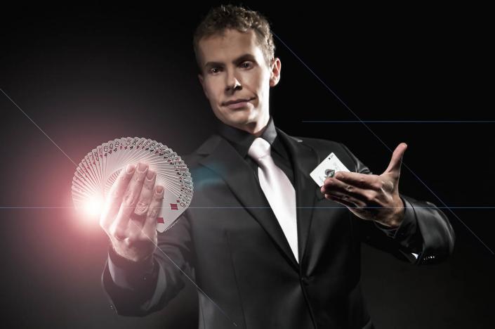 Iluzjonista pokazy - magik Marcin Gogołowicz